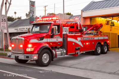 Los Angeles Fire Department LAFD Heavy Rescue 54 Century Rotator wrecker fire truck Larry Shapiro photographer Shapirophotography.net